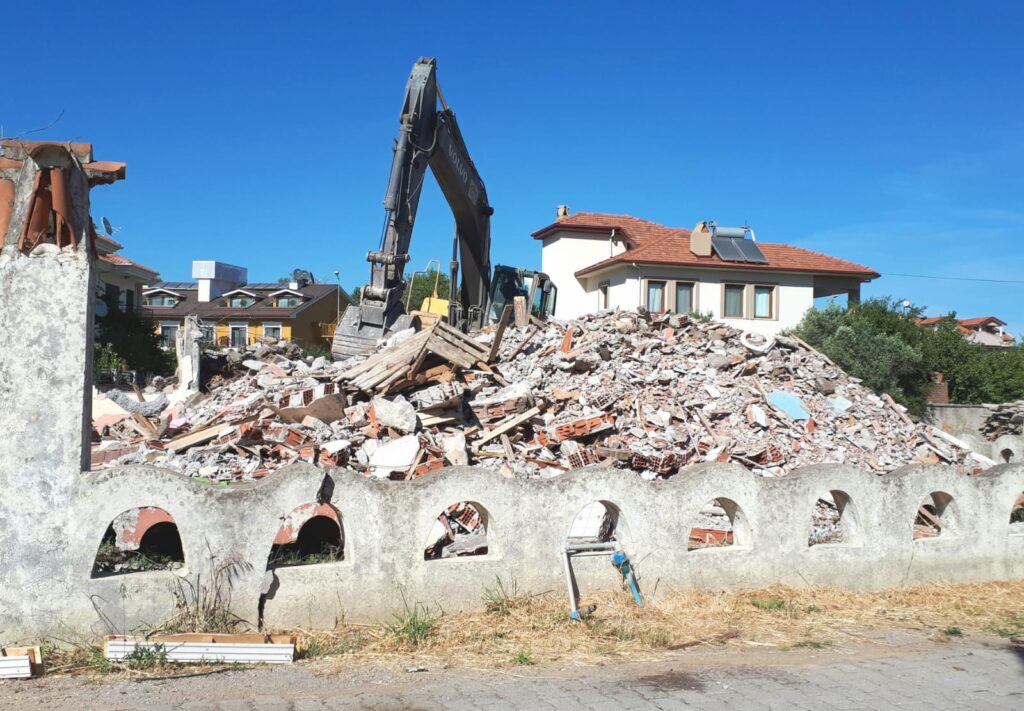 yıkılmış bina